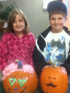 HMHI children & pumpkins