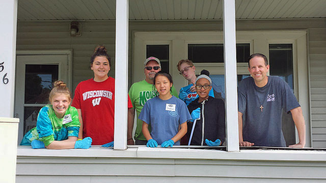 porch volunteers